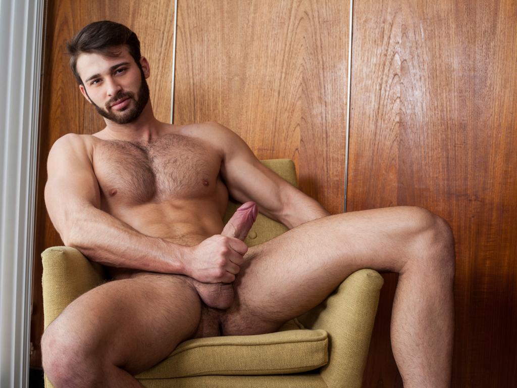 Jarec Wentworth makes Justin Owen sit on his cock