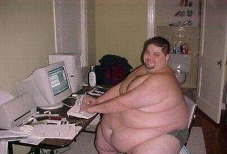 fat_man_on_computer