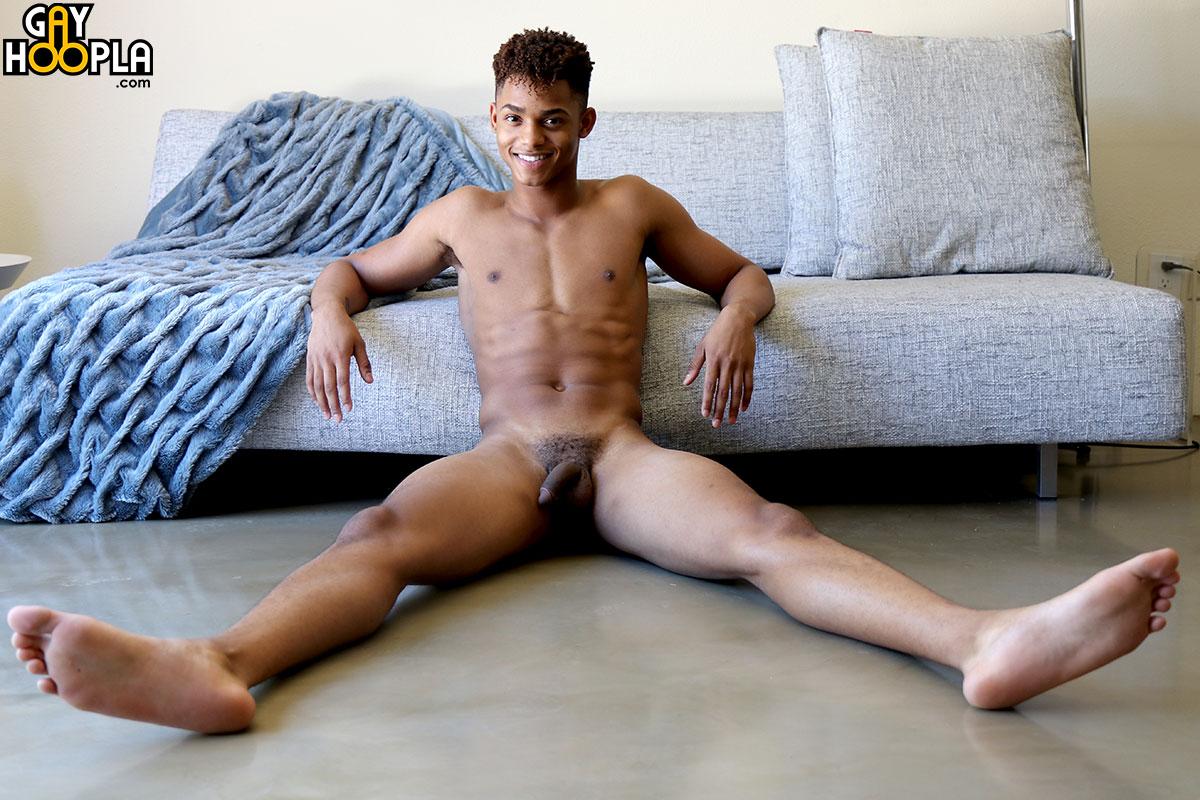 gayhoopla-ian-borne-9
