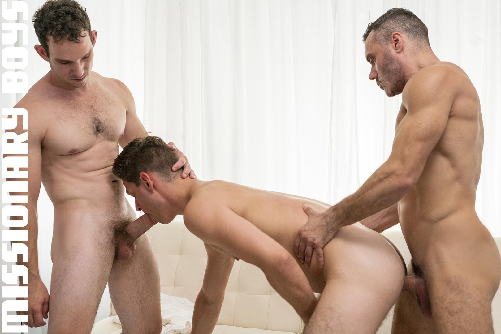 180828_mbz_06-missionaryboys-gay-daddy-son-sex_pic11