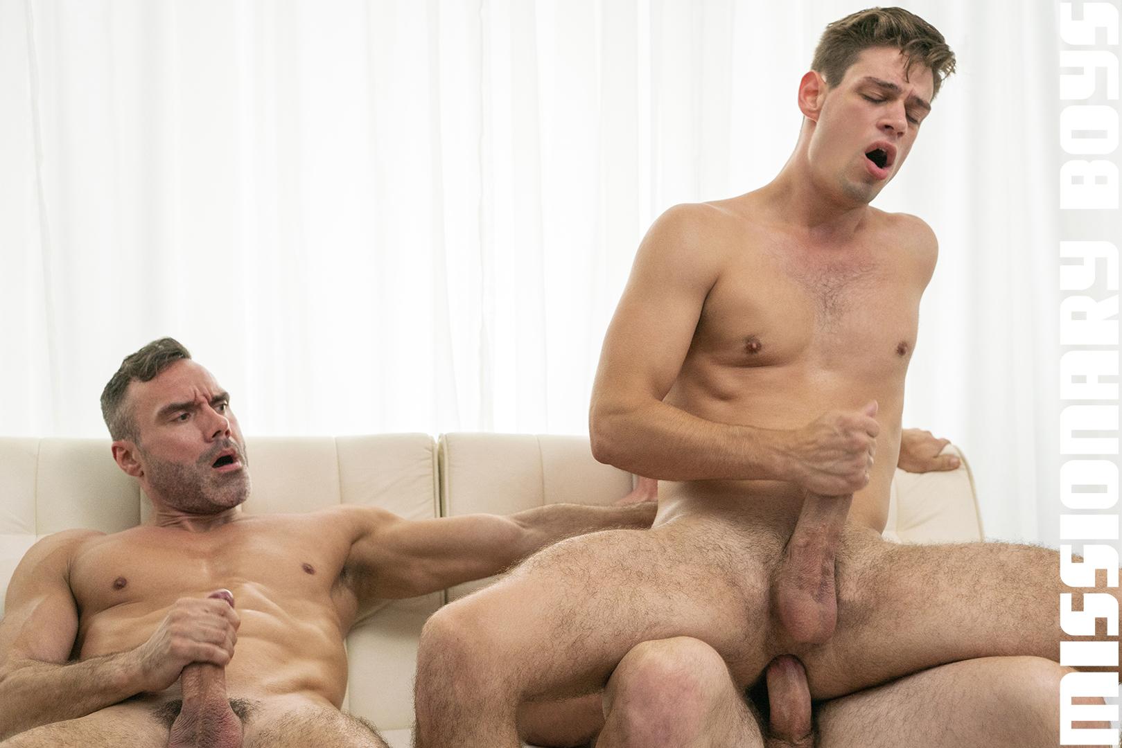 180828_mbz_06-missionaryboys-gay-daddy-son-sex_pic16